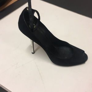 Gucci two-tone peep toe pumps with ankle straps